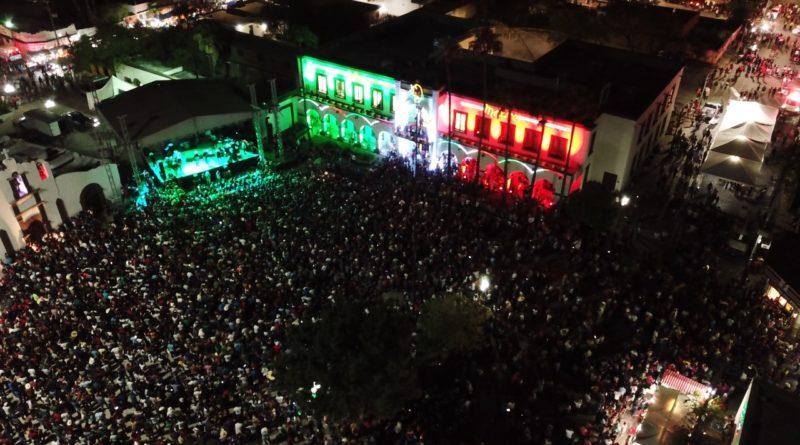 Invaden 10 mil festejo del Grito de Independencia en Escobedo