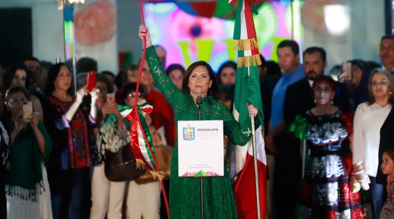 Celebra Cristina Díaz el Grito de Independencia en cinco sectores de Guadalupe